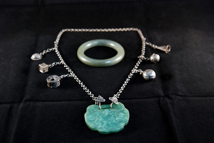 A GROUP OF SILVER AND JADE JEWELRY