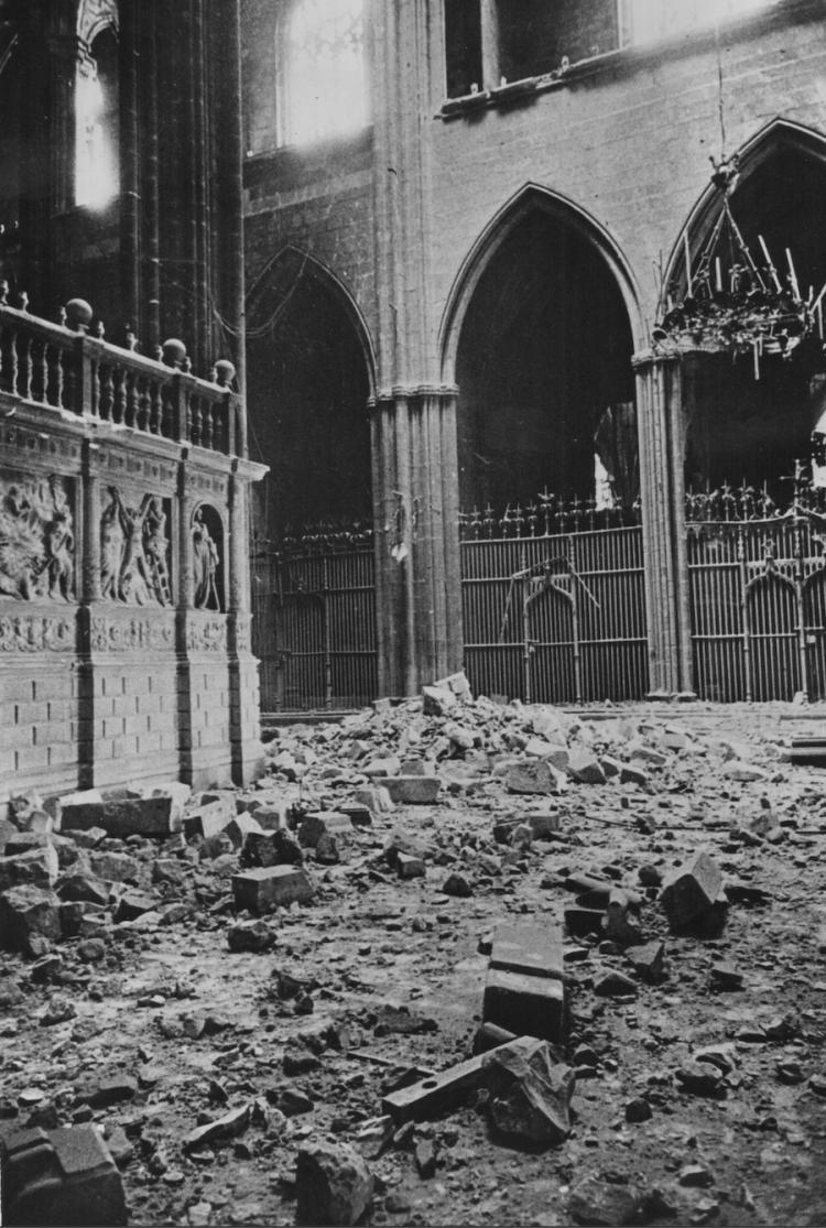Fot grafo desconocido xx barcelona da os en la catedral d - Fotografo en barcelona ...