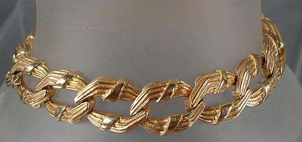 Ladies 14kt gold bracelet marked Pat. 3308517, 8