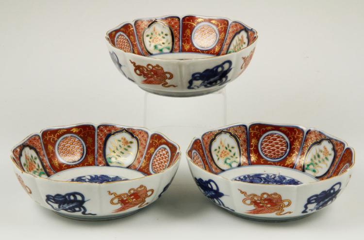 3 Japanese Imari Bowls