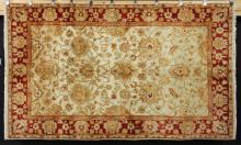 Fine Indo-Sultanabad Carpet