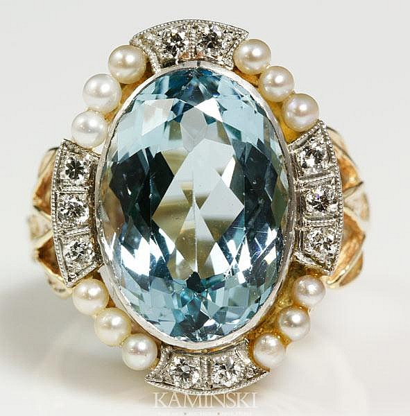 Ladies Aquamarine and Diamond Ring
