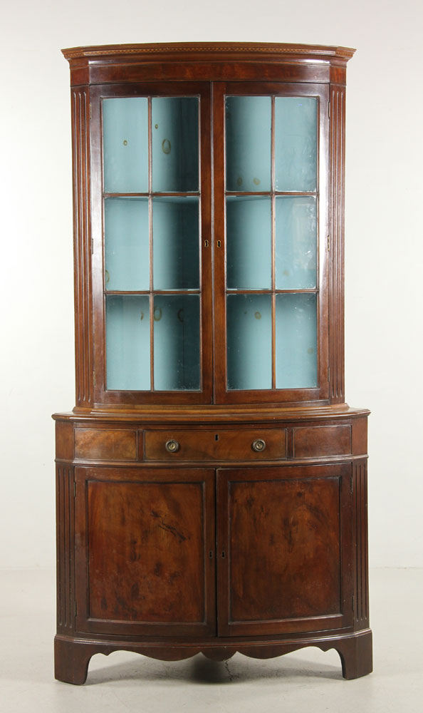 pictures of antiqued kitchen cabinets antique chippendale mahogany corner cabinet 7438