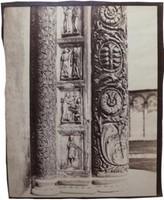 Auguste-Rosalie BISSON (1826-1900).Pise, les piédroits de la porte du baptistère, 1858.Épreuve d'époque sur papier albuminé, à partir de négatifs verre.48,5 × 38,5 cm. Montage conservation : 60 × 80 cm.Littérature : « Les frères Bisson photographes