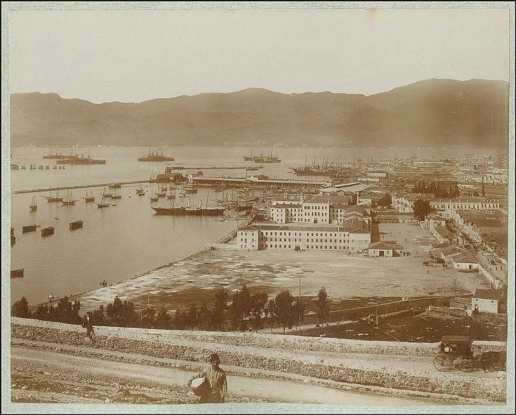 ΣΜΥΡΝΗ - SMYRNE c.1900. Large panoramic photo dim.25x20cm, attached on thick carton. Fine condition.