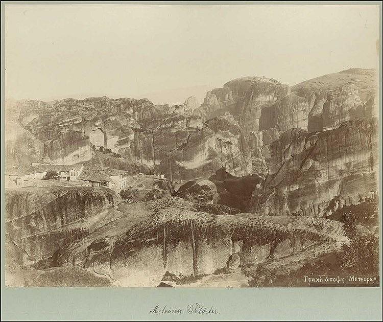 ΜΕΤΕΩΡΑ - [Στεφανος ΣΤΟΥΡΝΑΡΑΣ]. Πανόραμα Μετεώρων σε σπάνια αλμπουμίνα π.1890, διαστ.29χ22εκ, επικολλημένη σε χαρτόνι. Λεζάντα στο αρνητικό