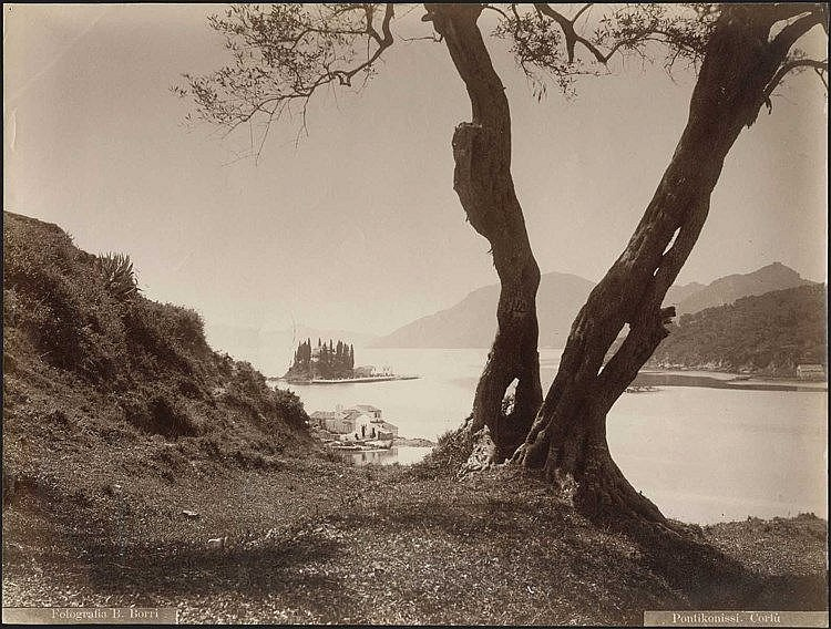 CORFU / Photographer B. Borri. Albumen photo dim.27.5x21cm. Title and photographer s name on negative
