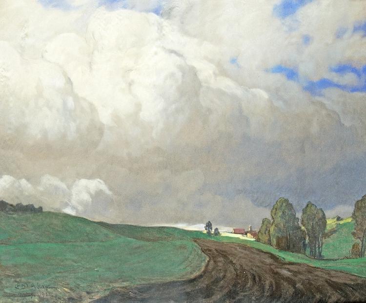 Wolken über der Anhöhe