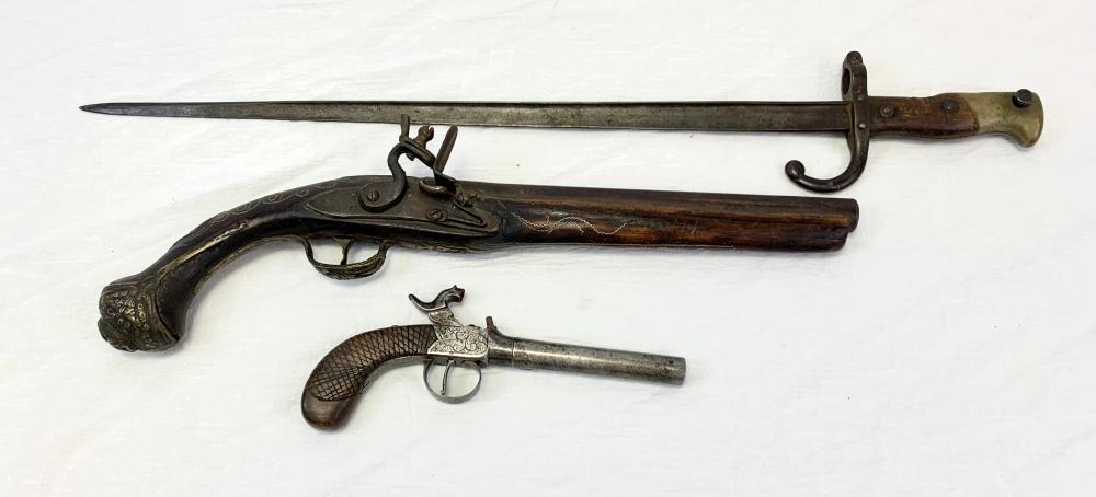 Two Pistols & Bayonet