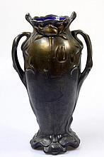 Vase of blue glass