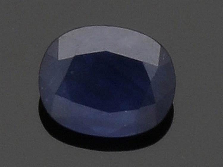 1 loser Saphir von 2.7 ct.. 1 blauer Saphir i...