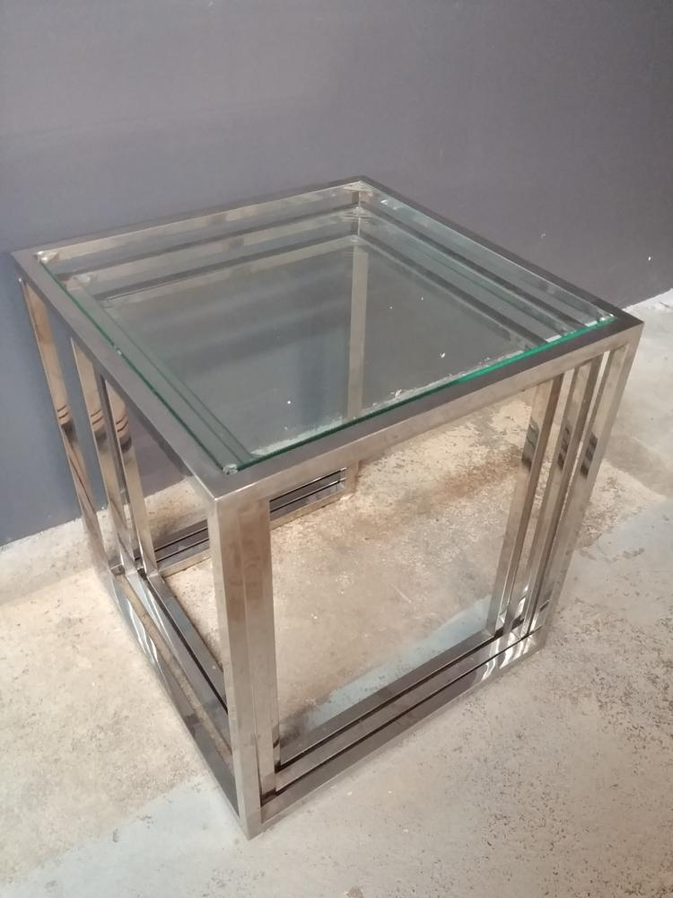 Chrome nesting tables with glass tops for Glass top nesting tables
