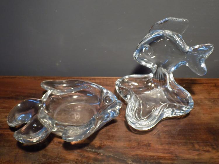 Art glass fish pipe stand and ashtray for Glass fish pipe