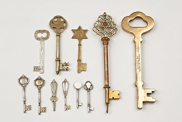 Eleven Honorary Keys Given to Contributors to Synagogues, Yeshivot and Jewish Institutes - England and the USA, 1927-1975