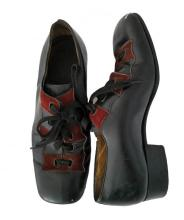 Handsome pair of Bruce Lee's black leather shoes