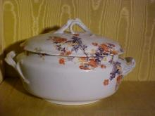 Haviland & Co. Limoges Handpainted Porcelain Soup Turine