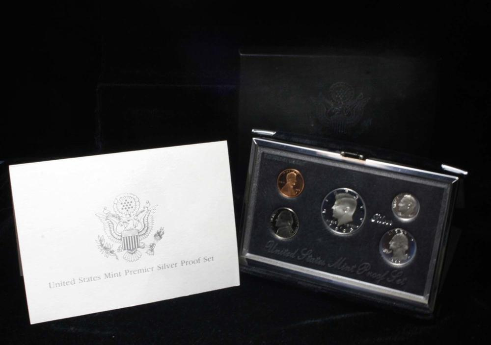 1993 United States Mint Premier Silver Proof Set in Display case