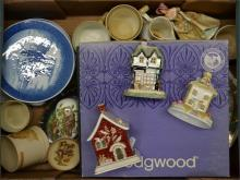 A tray lot of mixed pottery including Wedgwood, Coalport cottages, Copenhag