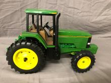 Lot 1: 1/16th Scale JD 7800