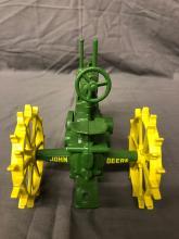 Lot 9: 1/16th Scale John Deere Model A