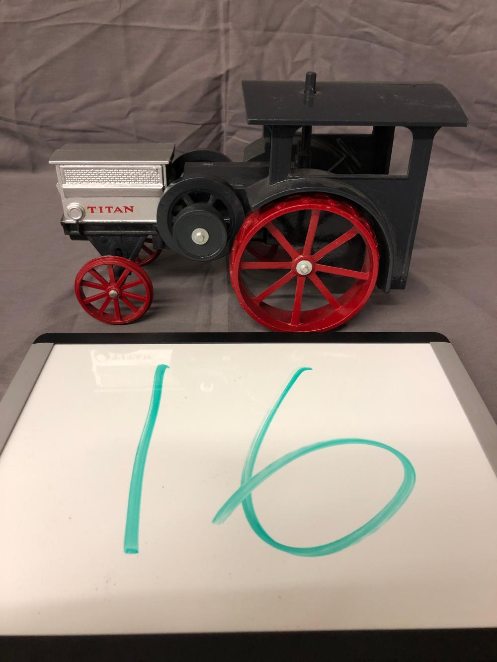 1/16th Scale Titan Tractor