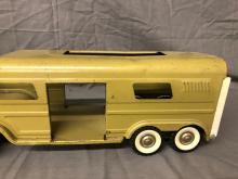 Lot 20: Structo Truck w/ Horse Trailer