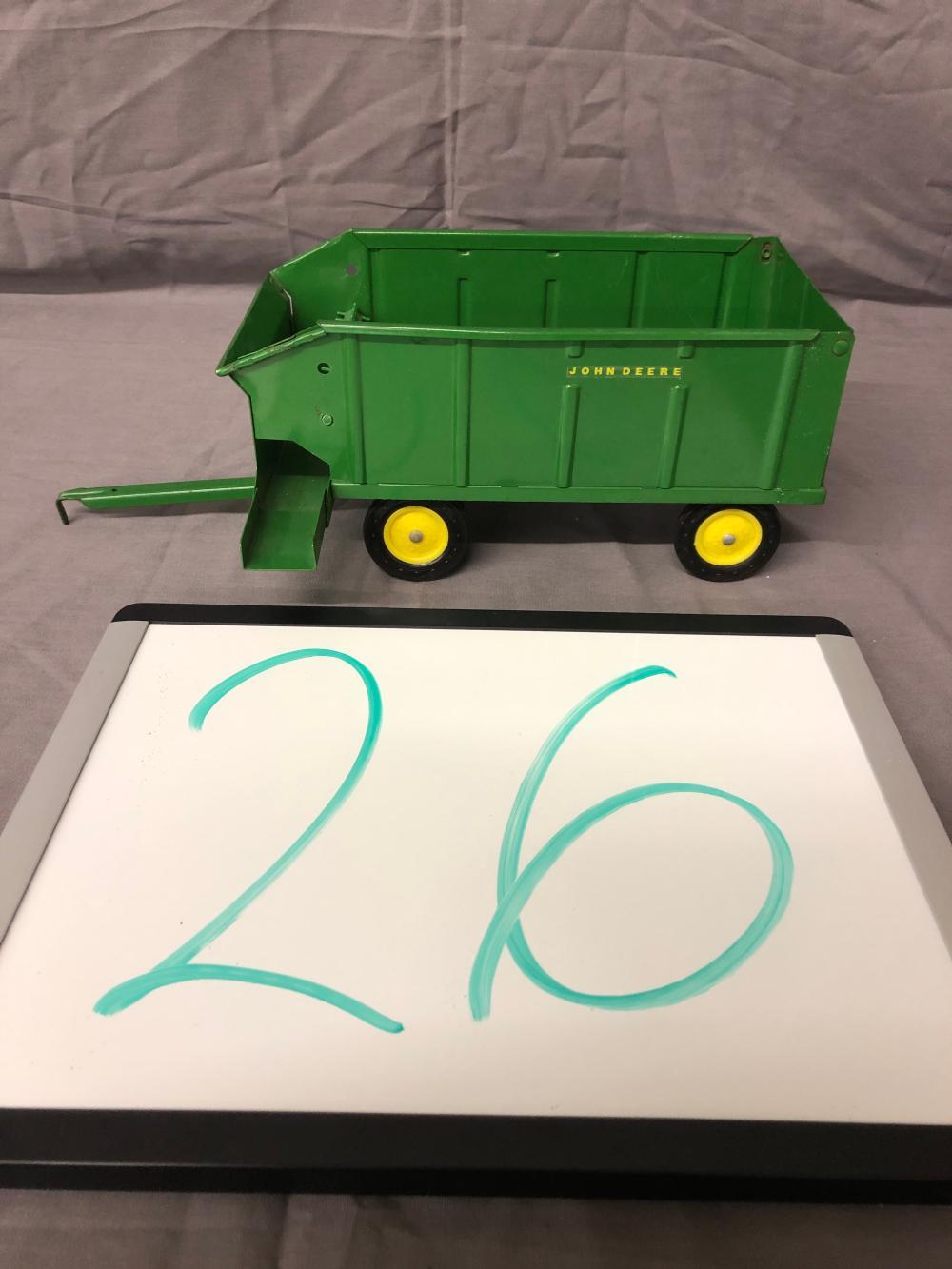 1/16th Scale John Deere Wagon