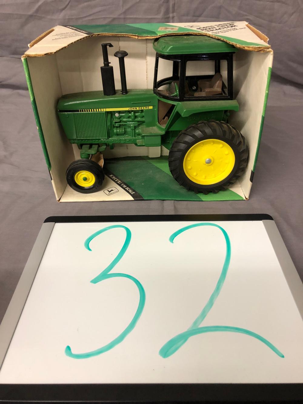 1/16th Scale John Deere Row Crop Tractor