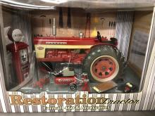 Lot 35: 1/16th Scale Farmall 460 Restoration Tractor