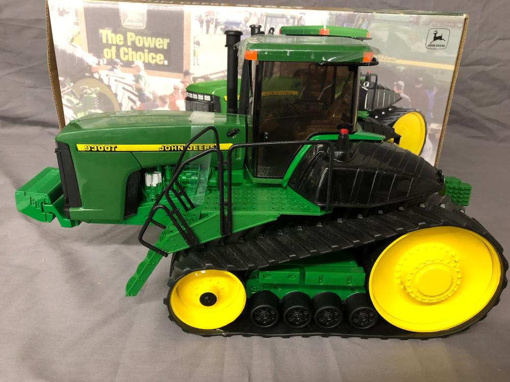 Lot 56: 1/16th Scale John Deere 9300T