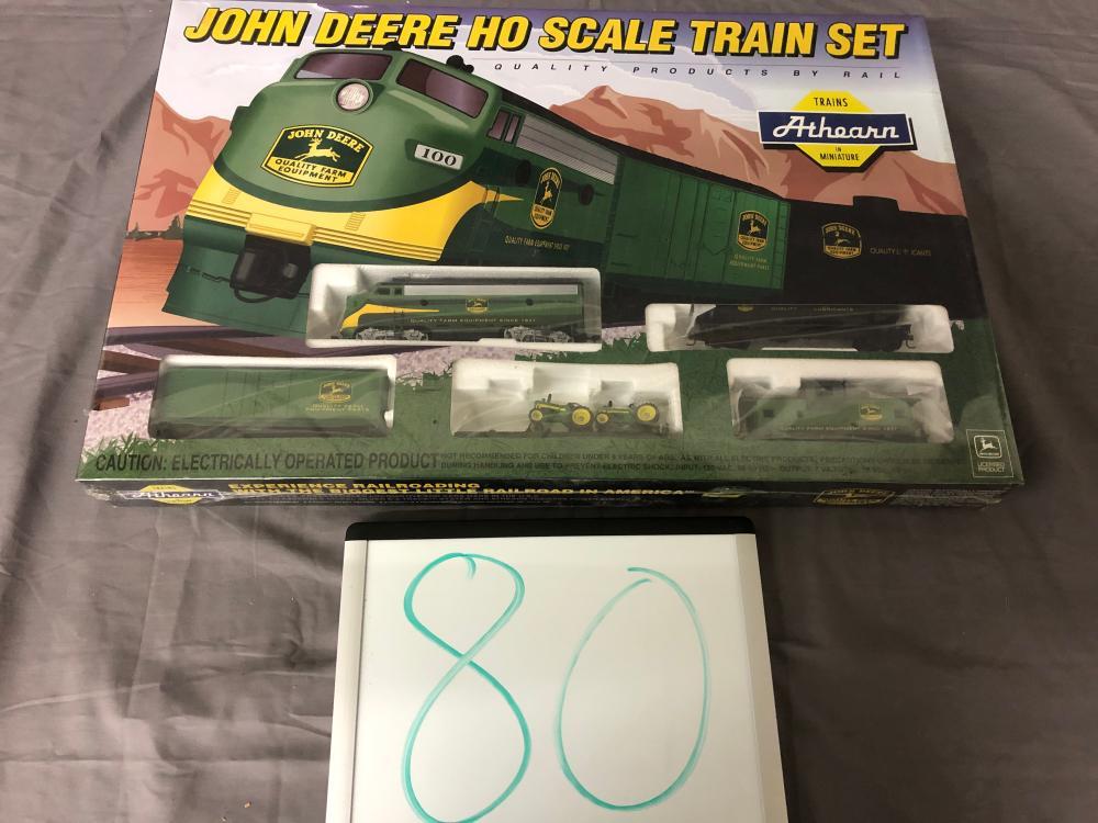 John Deere HO Scale Train Set