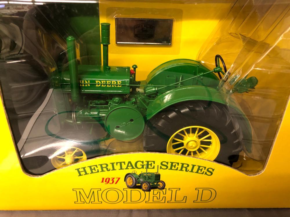 Lot 98: 1/16th Scale John Deere Model D