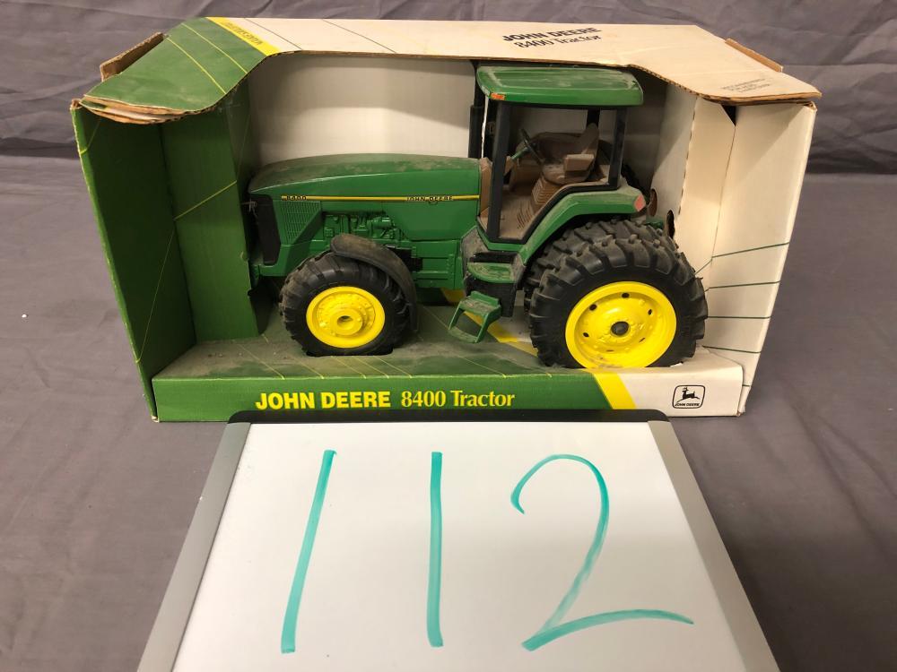 1/16th Scale John Deere 8400