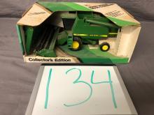 Lot 134: 1/28th Scale John Deere 9600 Combine