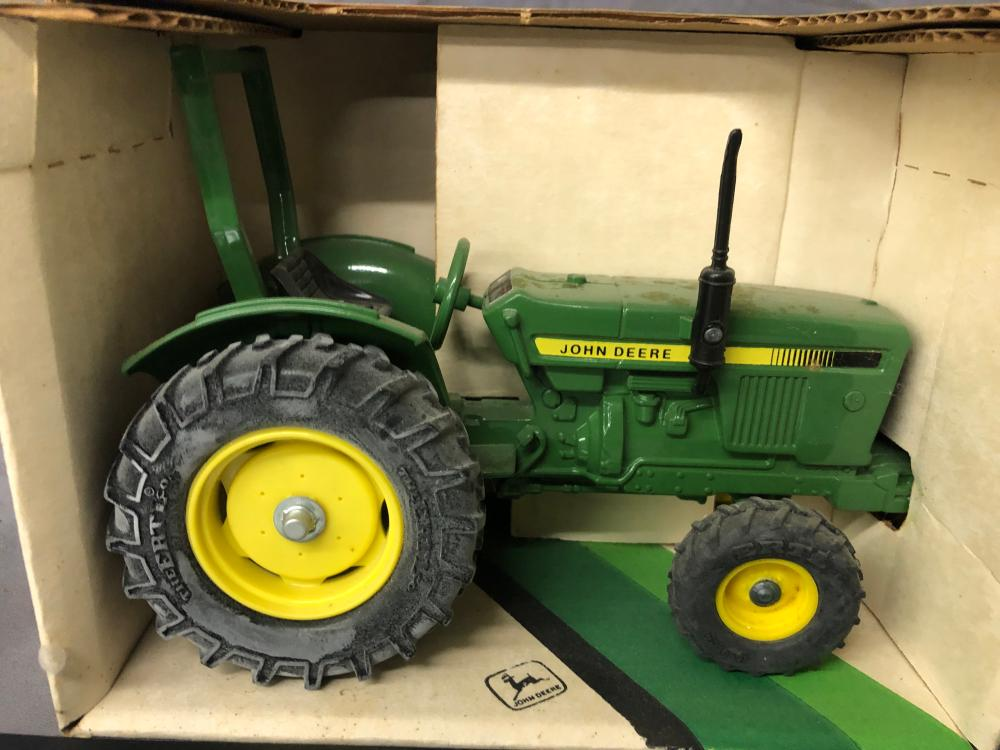 Lot 162: 1/16th Scale John Deere Compact Utility Tractor