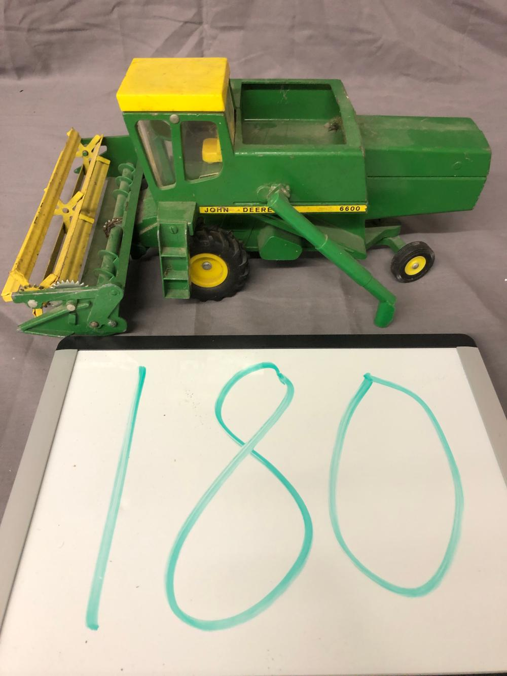 Lot 180: 1/32nd Scale John Deere 6600 Combine