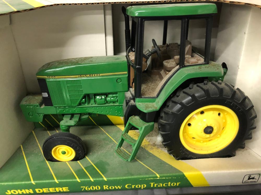 Lot 191: 1/16th scale John Deere 7600 Row Crop Tractor