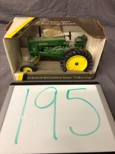 Lot 195: 1/16th Scale John Deere 70 Row Crop
