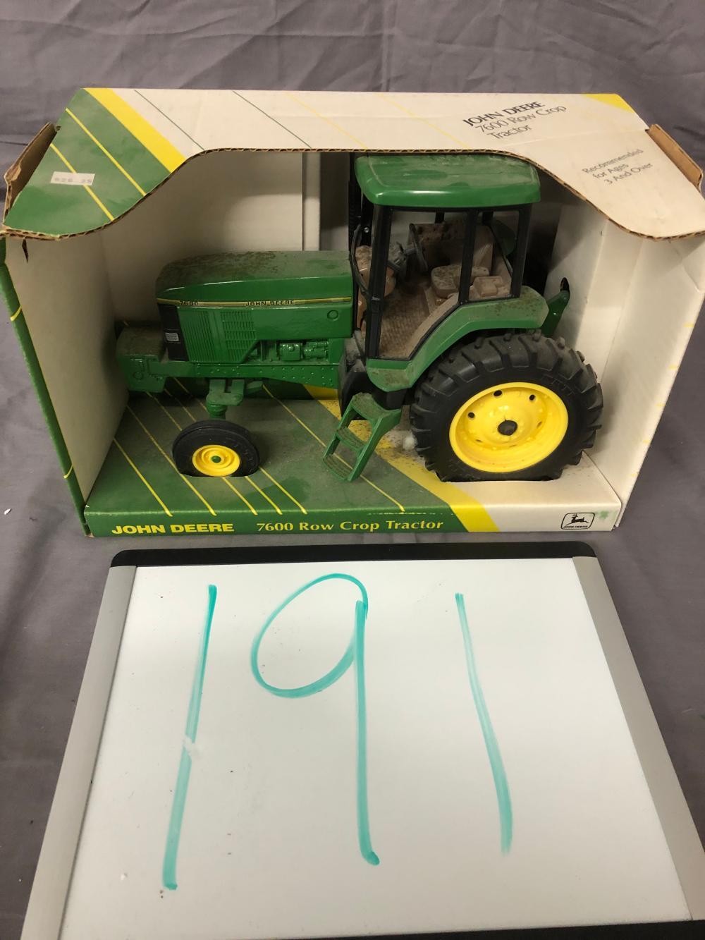 1/16th scale John Deere 7600 Row Crop Tractor