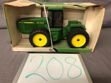 Lot 208: 1/16th Scale John Deere 8760