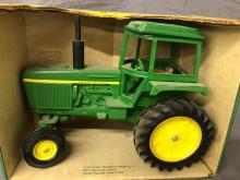 Lot 213: 1/16th Scale John Deere Generation II Tractor