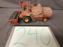 Lot 240: 1/28th Scale Massey Ferguson 760 Combine