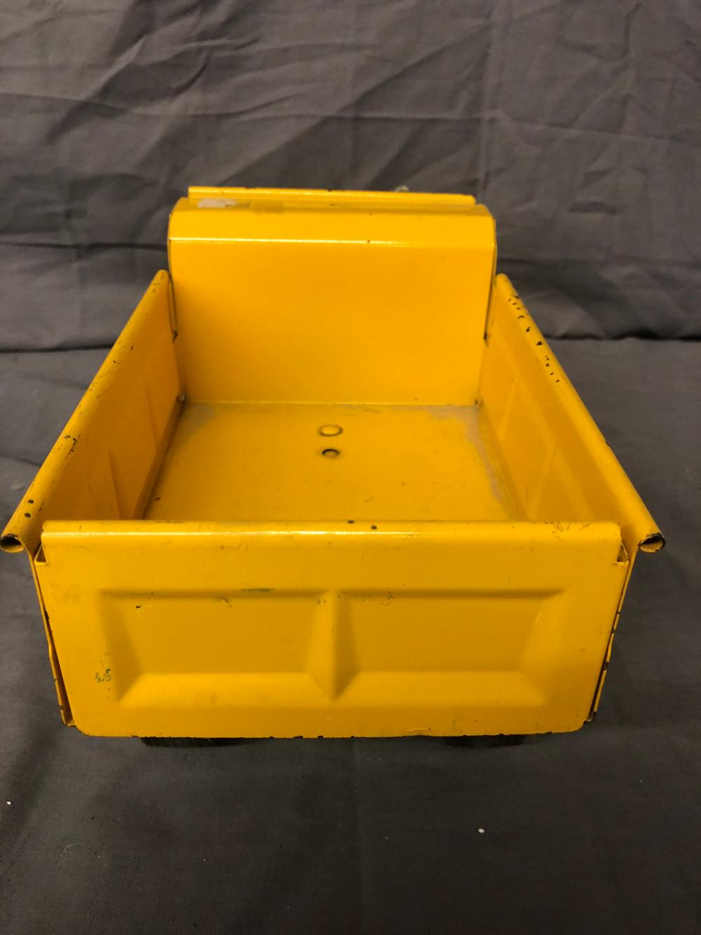 Lot 243: Ertl International Dump Master