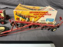 Lot 245: 1/25th Scale International Models