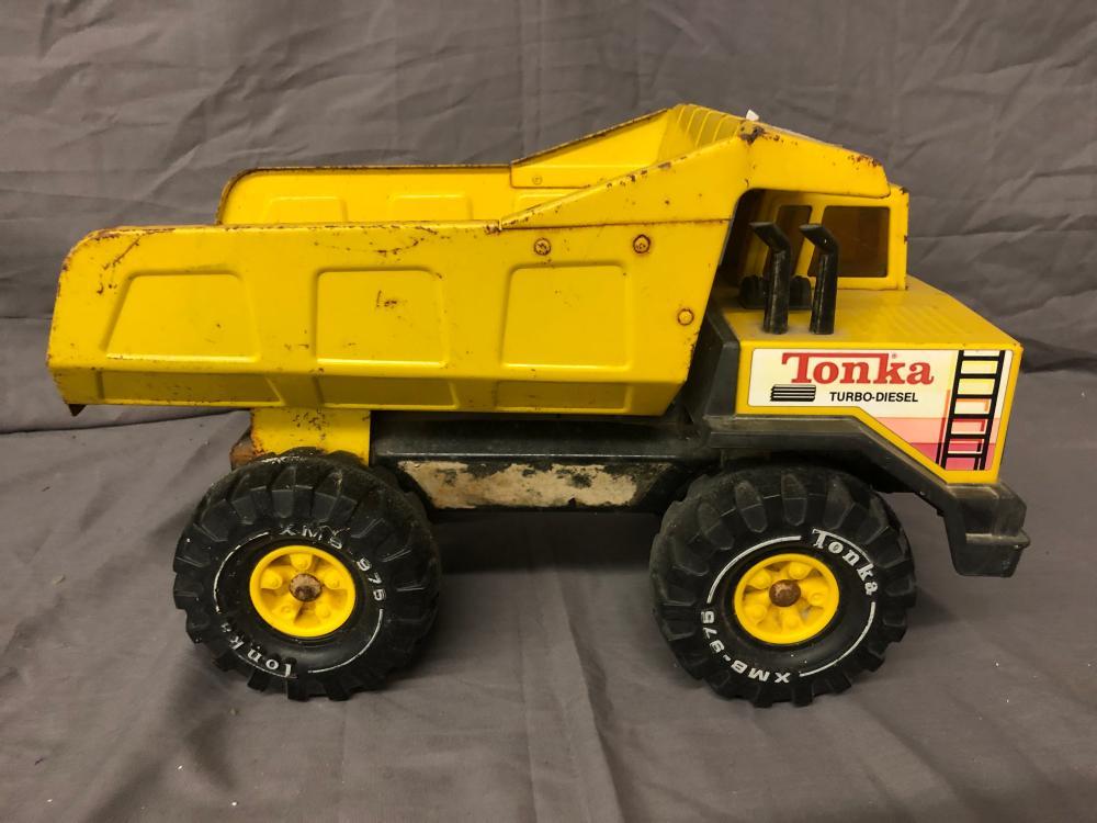 Lot 249: Tonka Dump Truck