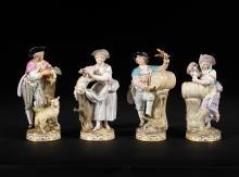 QUATRE STATUETTES DE PAYSANS REPRéSENTANT DEUX COUPLES DE VITICULTEURS ET DEUX COUPLES D'éLEVEURS DE MOUTONS  Allemagne, Meissen, XIXe siècle
