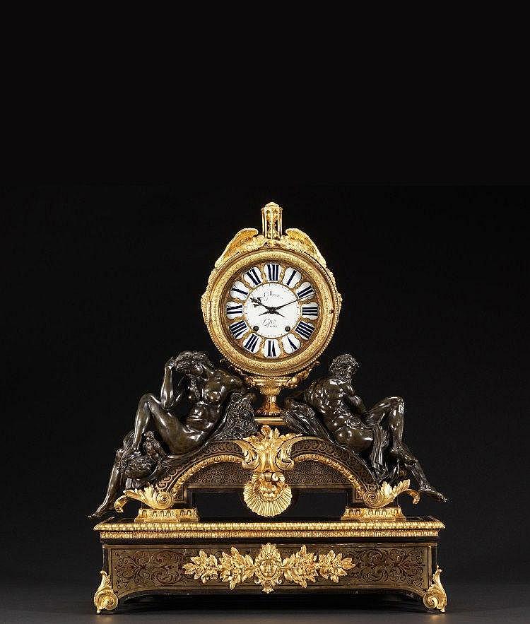 """PENDULE """" LE JOUR ET LA NUIT """" Par ANDRÉ-CHARLES BOULLE (1642-1732) et son atelier -Reçu Maître Ebéniste avant 1666 Et par Abraham GILBERT (MORT EN 1752)-Reçu Maître Horloger en 1725 Paris, époque Régence, vers 1720-1730 MATÉRIAUX Ebène, écaille,"""