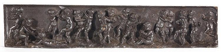 DEUX BAS-RELIEFS : FRISES DE PUTTI -XVIIIe siècle MATÉRIAU: Bois patiné H. 17 cm, L. 84 cm, P. 7 cm