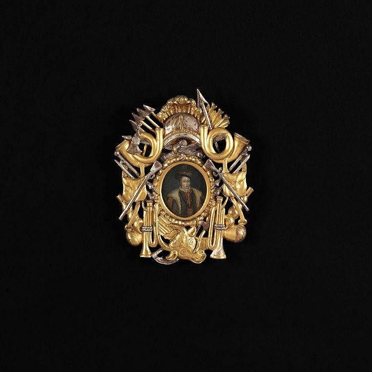 PORTRAITS DU ROI D'ANGLETERRE HENRI VIII ET DE SON ÉPOUSE ANNE BOLEYN Angleterre, XVIIe siècle MATÉRIAUX: Peinture sur cuivre, bois doré et argenté H. 13 cm, L. 9,5 cm Avec cadre : H. 33 cm, L. 28 cm Manques à la peinture