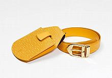 LOUIS VUITTON. CEINTURE en cuir Epi moutarde,